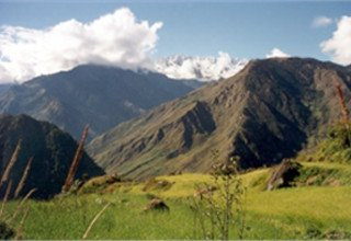 Trekkers Way: Section 5: From Syabrubesi to Besisahar via Sing-La Pass 4040m, Lodge Trek 22 Days