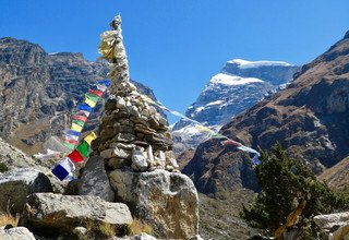 Nar Phu Valley Trek via Kang La Pass, 16 Days